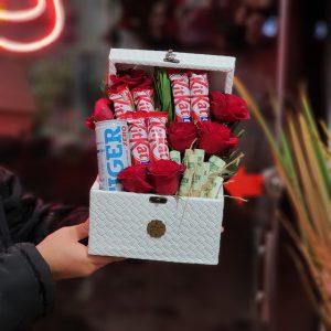 باکس گل و شکلات و پول