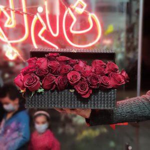 باکس گل رز صندوقچه مشکی