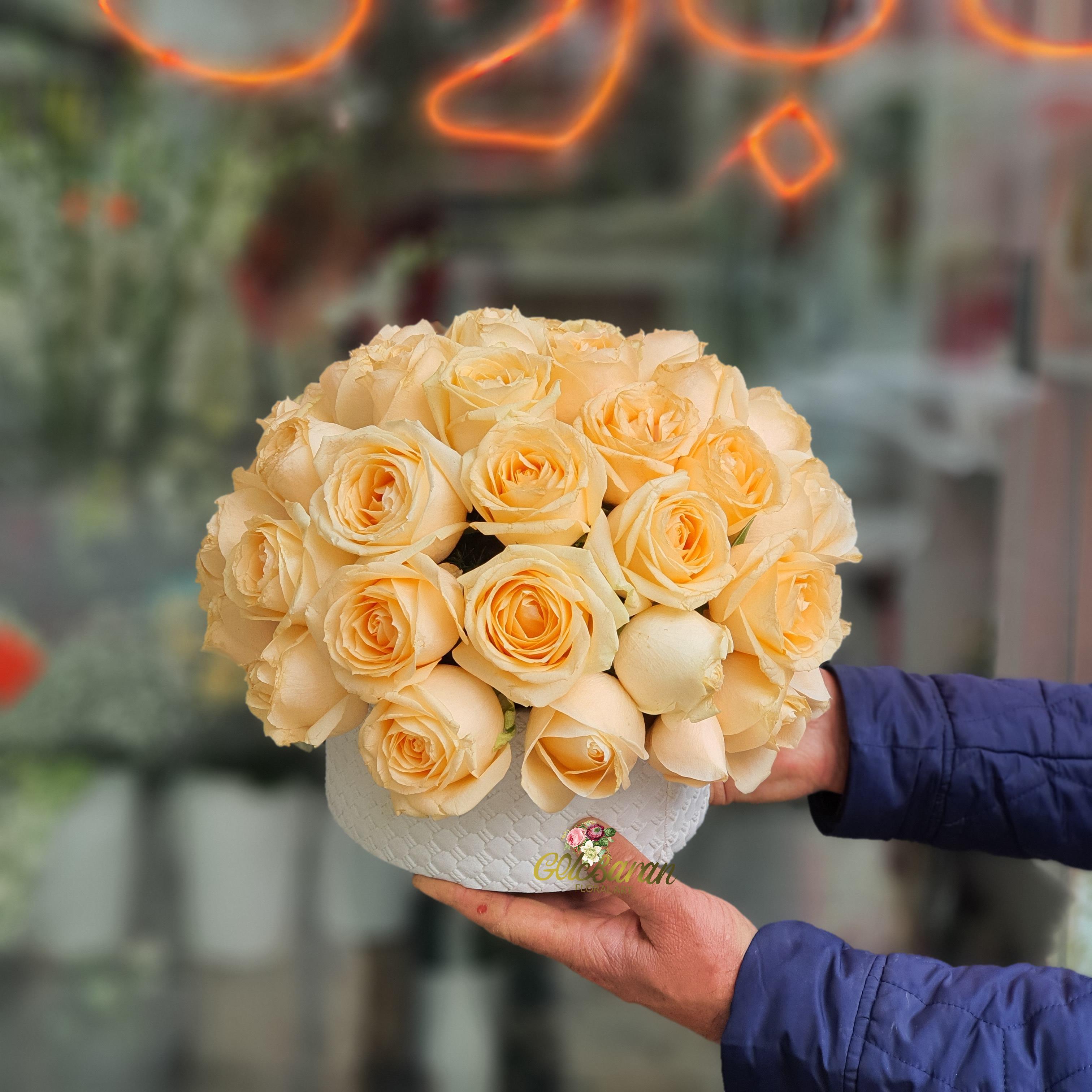 باکس گل رز ( نارنجی روشن )